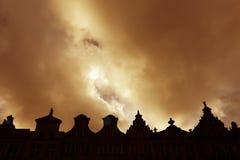 Viejas formas del tejado de la ciudad, Gdansk, Polonia Imágenes de archivo libres de regalías