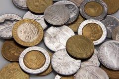 Viejas liras italianas de monedas, vintage Imágenes de archivo libres de regalías