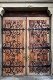 Viejas puertas del labrado-hierro imágenes de archivo libres de regalías