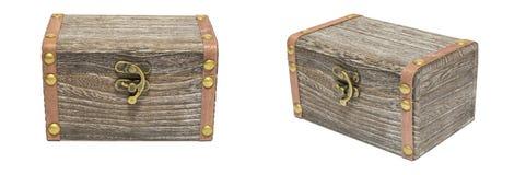Viejo aislamiento de madera del pecho del cajón de la caja cerrada del vintage en el blanco, regalo Imagenes de archivo