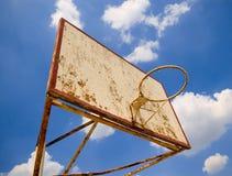 Viejo anillo del baloncesto Fotos de archivo