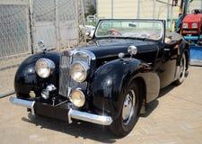 Viejo automóvil descubierto inglés 1800 de Triumph del coche Imágenes de archivo libres de regalías