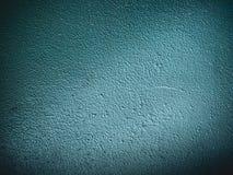 Viejo - azul - fondo verde oscuro áspero de la pared imagenes de archivo