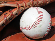 Viejo béisbol imagen de archivo