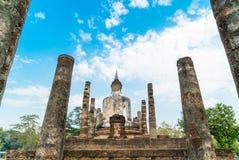 Viejo Buda en el templo en el parque histórico de Sukhothai Foto de archivo libre de regalías