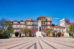 Viejo centro de la ciudad de Oporto en tiempo de primavera fotografía de archivo libre de regalías
