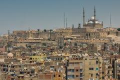 Viejo citiscape de El Cairo con la opinión sobre la mezquita de la ciudadela y del alabastro fotografía de archivo