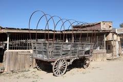 Viejo coche traído por caballo Fotos de archivo libres de regalías