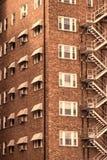 Viejo complejo de viviendas del ladrillo en Wichita céntrica, Kansas Imágenes de archivo libres de regalías