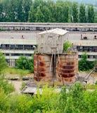 Viejo complejo industrial abandonado Foto de archivo libre de regalías