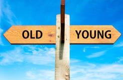 Viejo contra jóvenes Fotos de archivo libres de regalías
