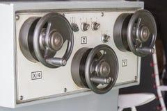 Viejo control de la fresadora para cortar el material Imagen de archivo libre de regalías