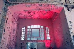 Viejo de la ventana de la puerta arruinado Foto de archivo libre de regalías