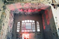Viejo de la ventana de la puerta arruinado Fotografía de archivo