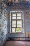Viejo de la ventana de la puerta arruinado Fotos de archivo libres de regalías