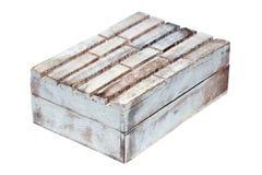 Viejo de madera de la textura del vintage del primer resistido envejeció el ataúd rectangular cerrado vacío de la caja aislado en imagen de archivo libre de regalías