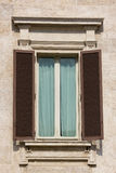 Viejo detalle de la ventana imagen de archivo libre de regalías