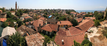 Viejo distrito de una ciudad en Antalya, Turquía Foto de archivo
