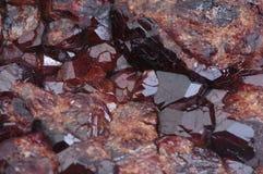 Viejo druso de la piedra del granate de los cristales Foto de archivo