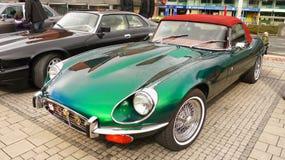 Viejo E-tipo clásico de Jaguar de los coches de deportes del vintage imagen de archivo