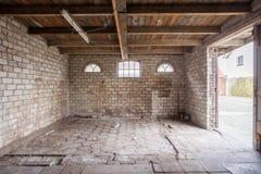 Viejo estilo urbano constructivo abandonado Imagen de archivo libre de regalías