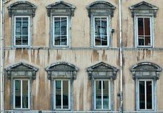 Viejo façade Fotografía de archivo libre de regalías