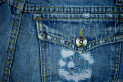 Viejo fondo de la mezclilla del bolsillo imagen de archivo