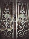 viejo fondo de la oscuridad del efecto luminoso del vintage de la puerta de la pared de la textura Foto de archivo libre de regalías