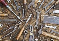Viejo fondo de las herramientas y de las sujeciones foto de archivo libre de regalías