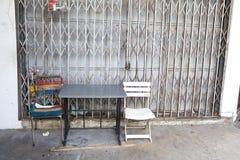 Viejo frente abandonado rural del almacén Imágenes de archivo libres de regalías
