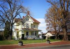 Viejo hogar histórico agradable de la granja Foto de archivo libre de regalías