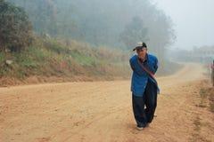 Viejo hombre de Laos imagenes de archivo