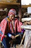 Viejo hombre en traje peruano Imagenes de archivo