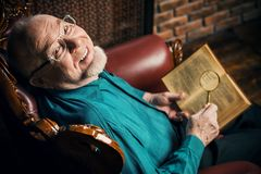 Viejo hombre inteligente Fotografía de archivo libre de regalías