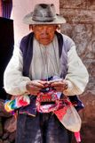 Viejo hombre nativo quechua de Taquile, Titicaca Imagen de archivo libre de regalías