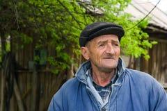 Viejo hombre pobre Imagen de archivo libre de regalías