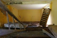 Viejo interior abandonado de la casa Fotos de archivo libres de regalías