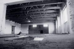 Viejo interior abandonado del molino Fotografía de archivo libre de regalías