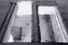 Viejo interior abandonado del molino Foto de archivo libre de regalías
