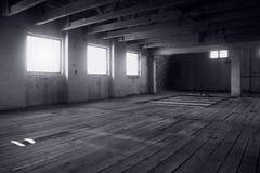 Viejo interior abandonado del molino Imagen de archivo