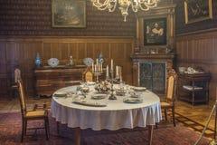 Viejo interior adornado de la residencia fotos de archivo