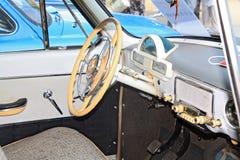 Viejo interior del coche imagenes de archivo