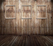 Viejo interior oxidado con los marcos Foto de archivo