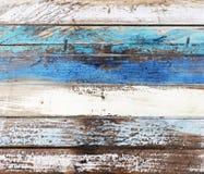 Viejo llevado abajo de los paneles coloreados de madera Imagen de archivo