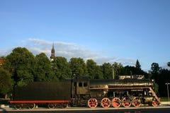 Viejo locomotor con gancho de leva-en el coche imágenes de archivo libres de regalías