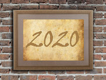 Viejo marco con el papel marrón - 2020 Imágenes de archivo libres de regalías