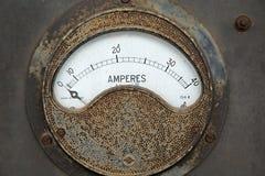 Viejo metro oxidado del amperio imagen de archivo libre de regalías