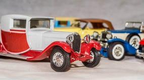 Viejo modelo del coche reproducción del coche del vintage juguete cobrable foto de archivo libre de regalías