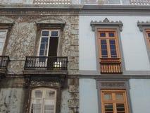 Viejo nuevas casas mediterráneas de lado a lado Imagenes de archivo