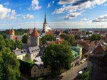 Viejo panorama de la ciudad de Tallinn Imagen de archivo libre de regalías